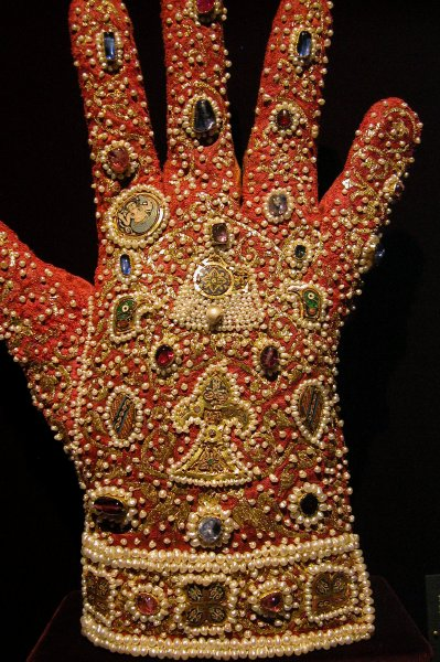 Gloves of Frederick II
